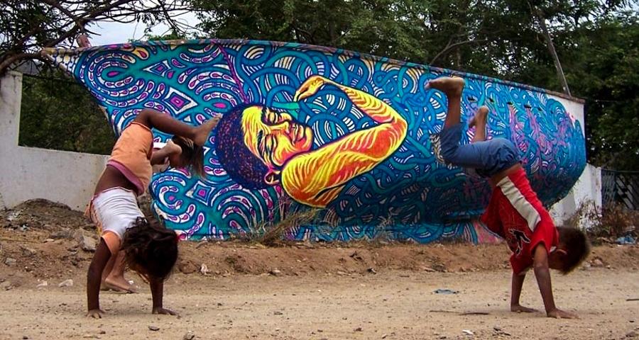 1_Bastardilla female street artist