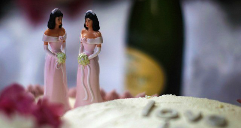 1_Wedding Bakery to pay damages Lesbian Couple