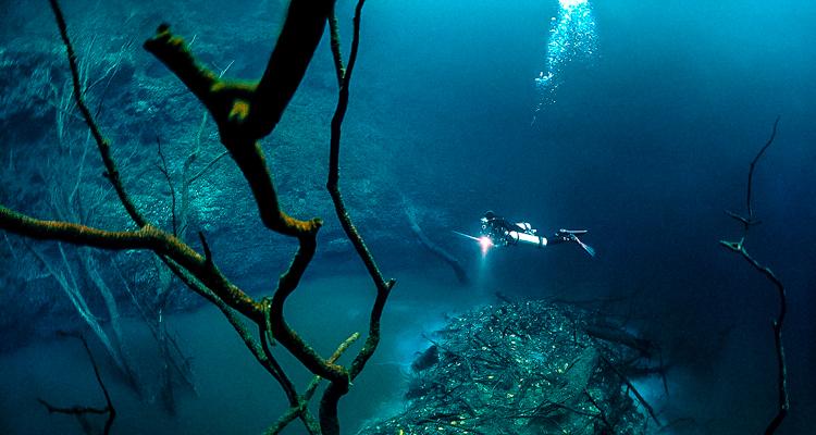 1_amazing underwater river