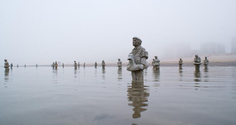 1_miniature sculptures climate change