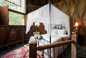 https://www.airbnb.ca/rooms/1238125?locale=en