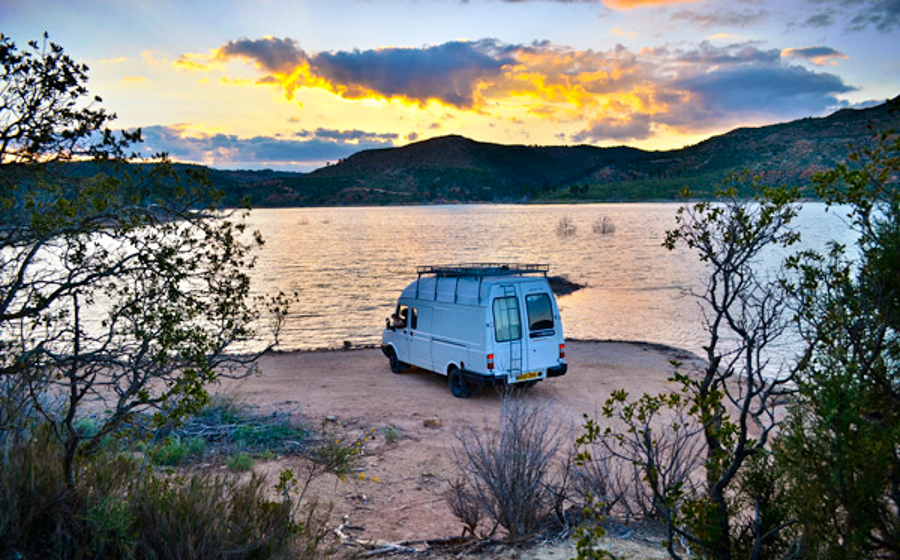 0_travel the world in a van