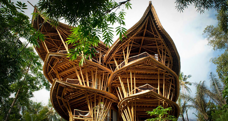 1_House made of bamboo