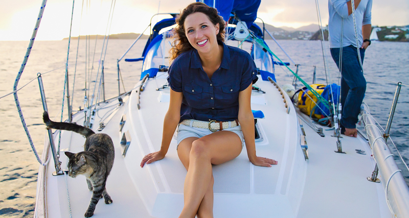 0_Couple Sails around world with their cat