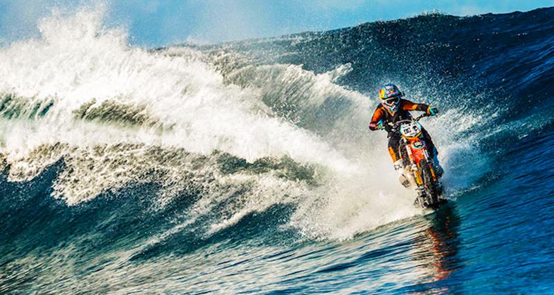 0_dirt bike stunt rider