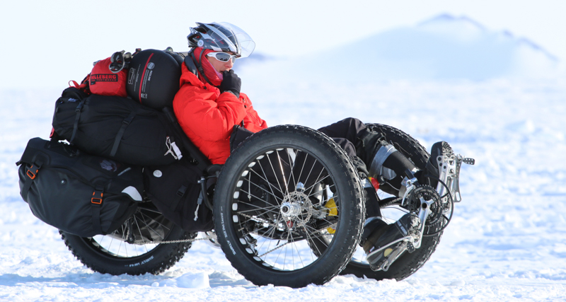 1_cyclist travels to South Pole