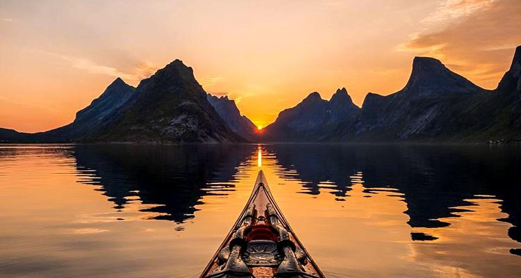 1_adventure kayaker