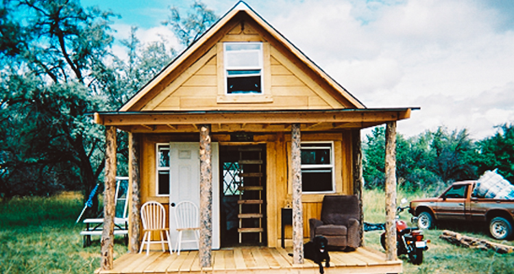 1_off-grid solar home for only $2,000