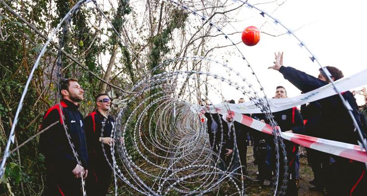 0_ croatian-slovenian border_ Valleyball Protest