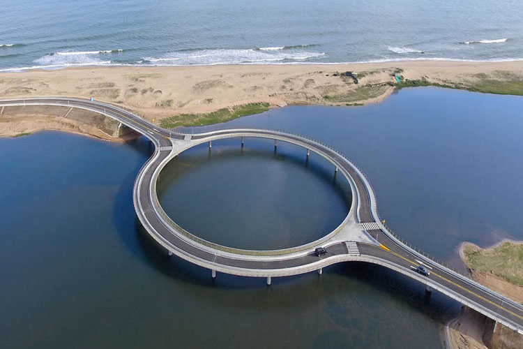 0_circular bridge in uruguay