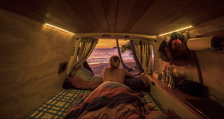1_vanlife couples