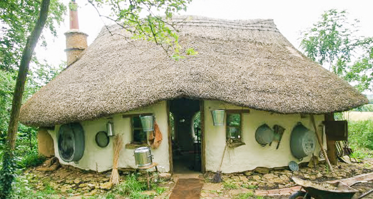 1_eco-friendly cob house for only $250