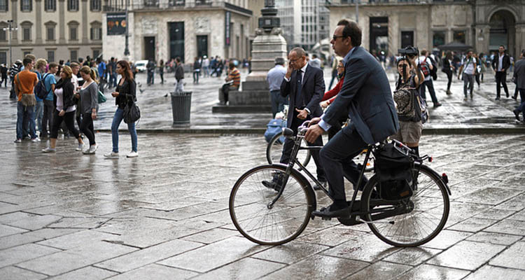 Milan will pay you to bike to work instead of using a car